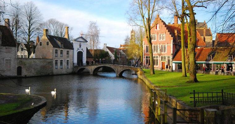 L'incanto delle Fiandre tra i grachten di Bruges